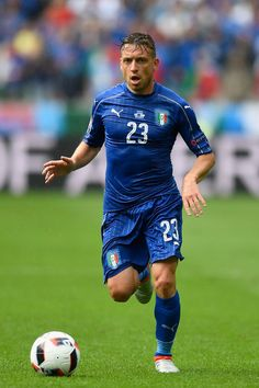 Emanuele #Giaccherini of Italy in action during the UEFA Euro 2016 Round of 16 match between Italy and Spain at Stade de France on June 27, 2016 in Paris, France.