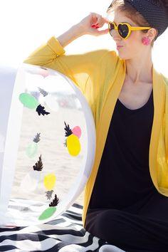 DIY-Painted-Beach-Ball-Makeover by Stuido DIY