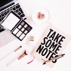 Take some notes while I plan my next move...Los sábados son mi día favorito de la semana, porque no solo son perfectos para descansar, conocer lugares y pasar tiempo con mis seres queridos... también porque es el día en el que tengo oportunidad de planear