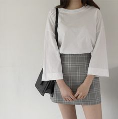 Costura Tutorial and Ideas Korean Casual Outfits, Casual Skirt Outfits, Basic Outfits, Pretty Outfits, Kpop Outfits, Girl Outfits, Cute Outfits, Fashion Outfits, Frock Fashion