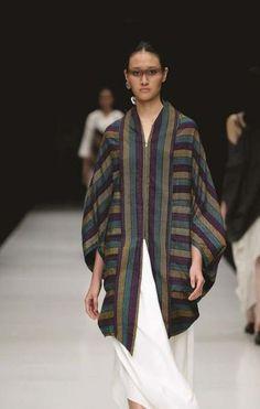 23 ideas sewing inspiration women projects for 2019 Blouse Batik, Batik Dress, Mode Batik, Kebaya Dress, Sewing Clothes Women, Batik Fashion, Clothing Patterns, Sewing Patterns, Blouses For Women