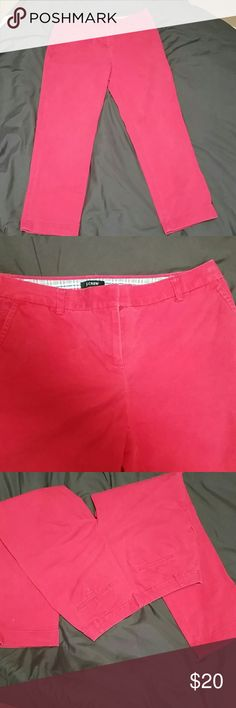 J.Crew red pants City fit pants in great condition. 95% cotton and 5% spandex  Open to reasonable offers J. Crew Pants Ankle & Cropped