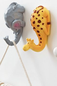 Zoo Animal Self Adhesive Hook for Kids Bedroom / These cute animal hooks come in 4 styles: Elephant, giraffe, swan and flamingo. Your kids will love hanging up their backpack and coat on this cute hooks, which means less cleaning for you! Boho Baby Shower, Baby Shower Themes, Living Room Color Schemes, Living Room Designs, Gym Room At Home, Home Office Layouts, Modern Sliding Doors, Kids Bedroom, Bedroom Decor