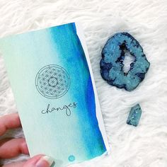 #Repost @shelbymelissa Shelby has a swoon-worthy feed of card-slinging and spiritual wisdom. I love how she's captured this Changes (the World)  card so beautifully with that geode slice!   Changes are coming. And with the inauguration today those changes will not be all positive. Many will be left without options for survival. We are looking at the loss of women's rights affordable health care LGBT rights and so much more. So get out there and be positive change! Pitch in and help out! Join…