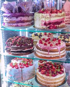 Pretty Birthday Cakes, Pretty Cakes, Delicious Desserts, Dessert Recipes, Yummy Food, Gateaux Cake, Cafe Food, Sweet Cakes, Cupcakes