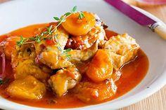 Poulet à l'abricot et Curry avec thermomix Vous êtes à la recherche de la recette d'un plat de poulet ? Un délicieux plat thermomix pour votre repas principal de poulet avec abricots sec que vous pouvez aussi servir avec du riz. Une recette si facile à réaliser avec votre thermomix TM5.