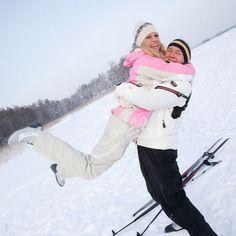 Talvikuvausta Oittaalla Espoossa. Mahtava paikka vuokrata eri talviurheiluvälineitä ja käydä vaikka pulahtamassa avannossa. Virkistäävää! ❄️ 😁