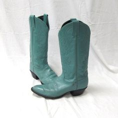 Vintage Tony Lama Ladies 7 1/2M Mint Green Cowgirl by AustinReBoot