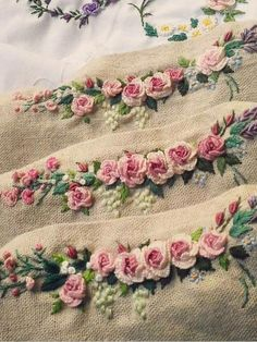 Getting to Know Brazilian Embroidery - Embroidery Patterns Brazilian Embroidery Stitches, Rose Embroidery, Learn Embroidery, Silk Ribbon Embroidery, Hand Embroidery Patterns, Vintage Embroidery, Embroidery Kits, Machine Embroidery, Embroidery Tattoo
