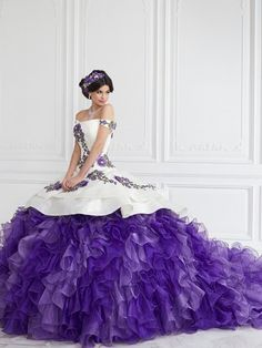 Purple Quinceanera Dresses, Mexican Quinceanera Dresses, Purple Gowns, Mexican Dresses, Red Wedding Dresses, Purple Dress, Purple Ballgown, Purple Wedding Gown, Quinceanera Cakes