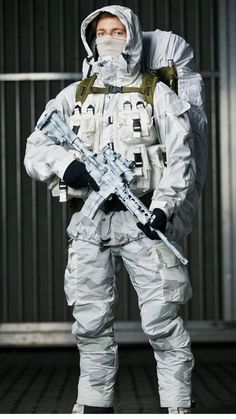 Military Gear, Military Police, Military Weapons, Military Equipment, Military Fashion, Special Forces Gear, Military Special Forces, Norwegian Army, Tactical Suit