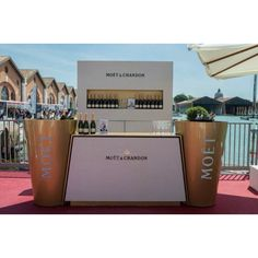 Moët Moet Chandon, Event Ideas, Event Decor, Bar Stand, Portable Bar, Pharmacy Design, Champagne Brunch, Wine Photography, Brand Management