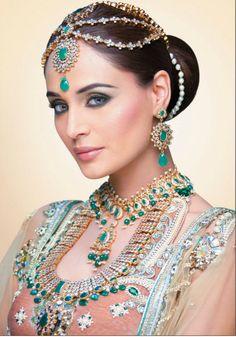 .Ювелирный Магазин http://magazinzoloto.com Вы ищете великолепные свадебных украшений, которая выделяется из толпы, но не горит ваш бюджет до хрустящей корочки?