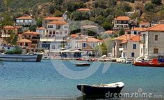 Peninsula of Pylos in Greece. From the long white sandy beaches that attract many visitors to the small and beautiful coves and quiet deserted, Pelion has anything to offer to all the questions of the visitors. Follow the links section to find out some things in the earthly paradise of Pelion. Photo of a small fishing village.