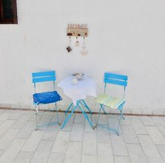 So Greek! This villa sleeps in two twin bedrooms. Perfect for climbers Best Car Rental Deals, Airport Signs, Real Estate Agency, Travel And Tourism, Vacation Rentals, Holiday Traditions, Climbers, Free Wifi, Shopping Hacks