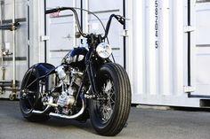 Best Harley Davidson bobber pics Old school - Japan style Moto Chopper, Chopper Motorcycle, Bobber Chopper, Motorcycle Garage, Softail Bobber, Hd Sportster, Motos Harley Davidson, Classic Harley Davidson, Custom Bobber