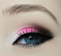 ChrissyAi: Twin Post: Wear-able Valentines Day Eye Make-Up - Beauty Day Eye Makeup, Eye Makeup Steps, Hooded Eye Makeup, Smokey Eye Makeup, Hooded Eyes, Makeup Inspo, Makeup Inspiration, Makeup Ideas, Kids Makeup