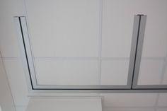 DETAIL OF THE DOUBLE TRUCK Movable partition Rolling wall Bicarrello with double truck for packing the panels. Detail of the door // --- // Parete manovrabile Rolling Wall Bicarrello con doppio carrello di impacchettamento dei pannelli. Dettaglio della porta