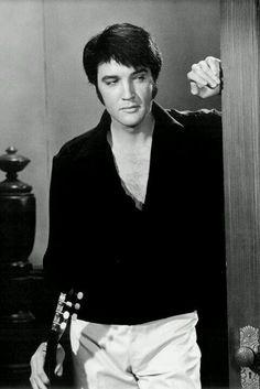 Elvis em Mudança de Hábito