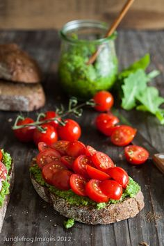 made your own pesto, take a traditionnal bread and spread with fresh tomatoes and... enjoy!
