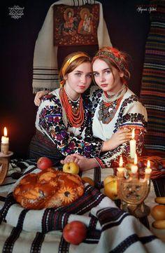 Ukraine Women, Ukraine Girls, Russian Beauty, Russian Fashion, Russian Art, Folk Fashion, Ethnic Fashion, Mode Russe, Ukrainian Dress