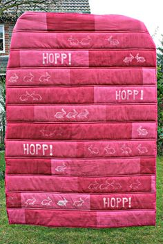 Osterdecke aus Kopfkissenbezügen / Easter blanket made of old pillow cases / Upcycling