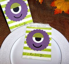 Five Simple Things: One Eyed Purple People Eater bags using  The Cricut Craft Room basic, free software from Cricut.com Eye Love You from Joy's Life stamps. Stampin' Up cardstock, Creative Memories