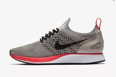 Nike Mariah Flyknit Racer Shoes