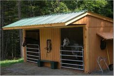 small horse barns, modular barns, loafing shed, run in sheds, diy pole barns Barn Stalls, Horse Stalls, Stables, Horse Shed, Horse Barn Plans, Horse Horse, Horse Tips, Diy Pole Barn, Pole Barns