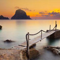 Cala d'Hort, Ibiza Sunset, Spain. La otra cara de Ibiza, playas de Ibiza, rincones de Ibiza, paisajes de Ibiza, Cala Conta Ibiza, Ibiza isla blanca, sitios que visitar en Ibiza, Ibiza beaches, Ibiza white island, places to go in Ibiza.