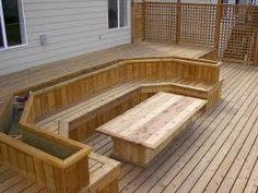 This might be THE perfect idea for my small patio!!