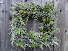 Think I will do a square wreath with real greenery on my front door this year.