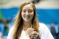 A bronzérmes Konkoly Zsófia a 100 méteres pillangóúszás S9-es sérültségi…
