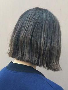 ヘアアレンジ:グレージュ×ハイライト ワンレンボブ/LYON hair&makeup[リヨン]()の美容室情報