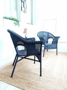 Spray Paint Metal Chairs Awesome How to Spray Paint Resin Wicker Chairs if You Dare Resin Wicker Patio Furniture, Painting Wicker Furniture, White Wicker Furniture, Outdoor Wicker Patio Furniture, Wicker Table, Wicker Dresser, Wicker Couch, Wicker Trunk, Wicker Mirror