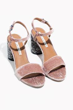 Unas sandalias joya para llevar ahora (y el resto del año)