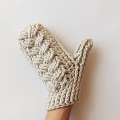 These super warm crochet mittens work up fast and can be made in sizes ranging from baby to adult!! The pattern is still in the works but will be out in a couple of weeks!!! #excited #warmup  by lakesideloops