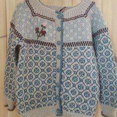 Bilderesultat for jakke med rundt mønster wiola størrelse