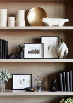 Home Interior Hamptons Convesso Concavo / Bates Smart.Home Interior Hamptons Convesso Concavo / Bates Smart Interior Simple, Home Interior Design, Decoration Inspiration, Interior Inspiration, Eclectic Decor, Home Decor Trends, Home Decor Accessories, Decorative Accessories, Decor Styles
