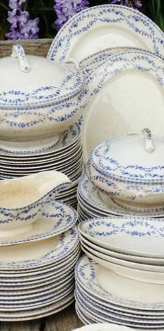 Fabulous blue & white dinner set. Keva xo.