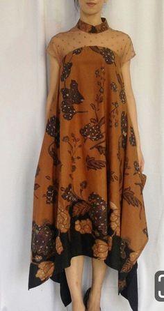 Nice rounded border Source by daldalilahhusna batik Dress Brokat, Kebaya Dress, Muslim Fashion, Hijab Fashion, Lolita Fashion, Emo Fashion, Fashion Beauty, Model Dress Batik, Modern Batik Dress
