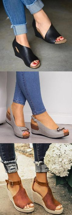 Find 2020 Best Heel Sandals,Slippers,Wedges Sandals Here! Pretty Shoes, Cute Shoes, Me Too Shoes, Big Shoes, Fashion Shoes, Fashion Accessories, Fashion Outfits, Womens Fashion, Blue Suede Shoes