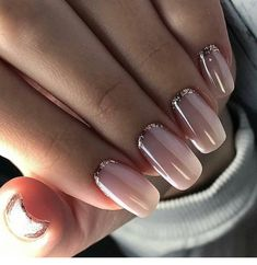 58 Most Gorgeous and Cute ♥ Light Nails Ideas for Winter and Spring Life - Diaror Diary - Page 30 ♡♥ 𝕴𝖋 𝖀 𝕷𝖎𝖐𝖊, 𝕱𝖔𝖑𝖑𝖔𝖜 𝖀𝖘! ♥♡ ♥ ♥ ♥ ♥ ♥ ♥ ♥ ♥ ♥ ♥ ღ♥Hope you like this collection gorgeous light nails design! Pale Pink Nails, Nude Nails, Gold Manicure, Gold Nails, Matte Nails, Coffin Nails, Gold Glitter, Acrylic Nails Natural, Acrylic Nails For Spring