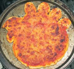 On Harvest Moon by Hand's blog: a turkey-shaped pizza for the Countdown to Thanksgiving.