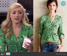 Emma's green dog print top on Jessie.  Outfit Details: http://wornontv.net/49146/ #Jessie