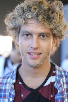 max motta | Max Motta, 20 anos. Desfilou para Galliano na temporada masculina, e ...