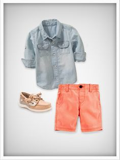 Need some ideas on what your kiddo should wear on Picture Day? These five tips will ensure you get the perfect ensemble put together. Picture Day Outfits, Preschool Pictures, Head To Toe, Jeans, Outfit Of The Day, What To Wear, Bermuda Shorts, Portrait, Outfit Ideas