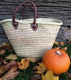 Short Round Handle Basket is perfect for everyday use especially foraging in the Autumn