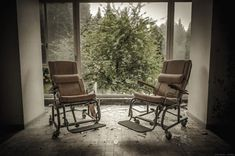 A Country Left In Ruins: Pictures Of Belgium's Abandoned Places pics) Outdoor Chairs, Outdoor Furniture, Outdoor Decor, Cool Photos, Interesting Photos, Urban Exploration, Abandoned Places, Leaves, Country
