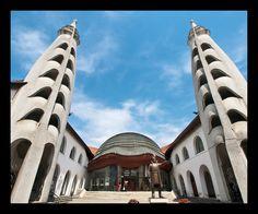 szigetvar_7135022 Frank Lloyd Wright, Gaudi, Architecture Organique, Organic Architecture, Opera House, Building, Travel, Art, Hungary